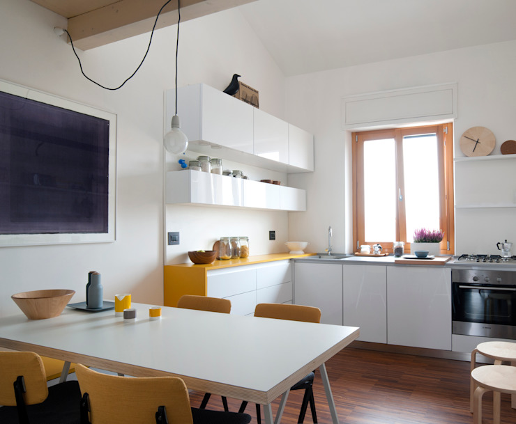 現代廚房設計點子、靈感&圖片 根據 PLUS ULTRA studio 現代風