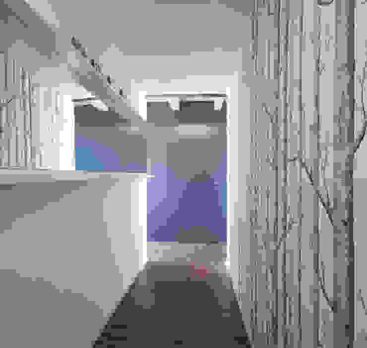 Vista dall'ingresso Ingresso, Corridoio & Scale in stile moderno di PLUS ULTRA studio Moderno