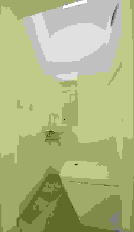 gäste-wc Ausgefallene Badezimmer von 3rdskin architecture gmbh Ausgefallen