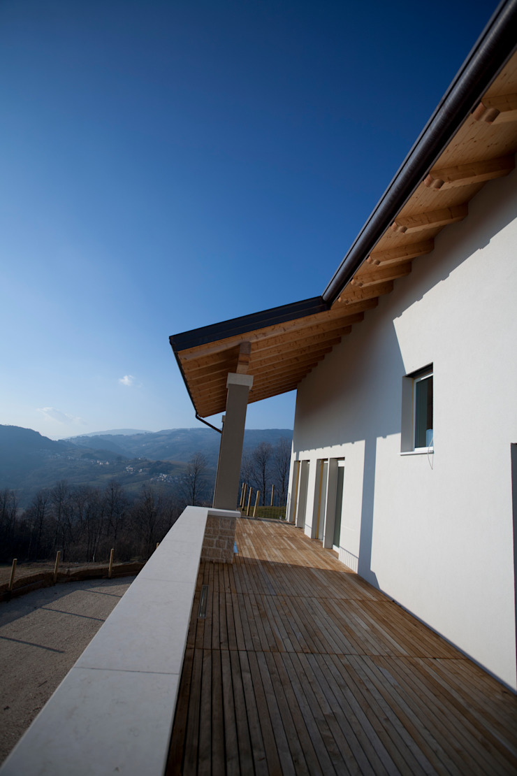 CASA GI Balcone, Veranda & Terrazza in stile moderno di marco.sbalchiero/interior.design Moderno