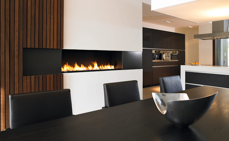 openhaard in keuken: modern  door Boley, Modern