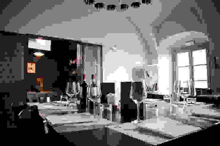 Ristorante <q>ai Burattini</q> Gastronomia in stile moderno di PoliedroStudio srl Moderno