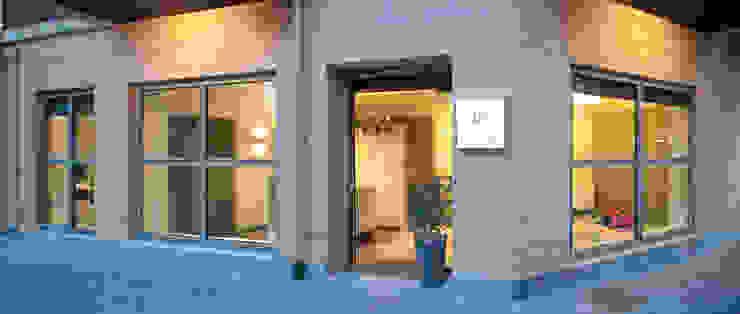 Sube Susaeta Interiorismo diseña clínica de fisioterapia en Getxo, Vizcaya Clínicas de estilo escandinavo de Sube Susaeta Interiorismo Escandinavo