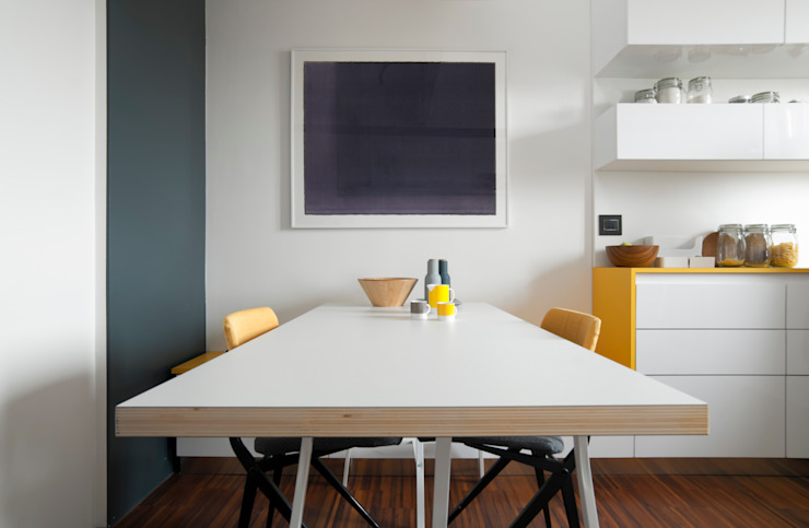 Zona pranzo Sala da pranzo minimalista di PLUS ULTRA studio Minimalista