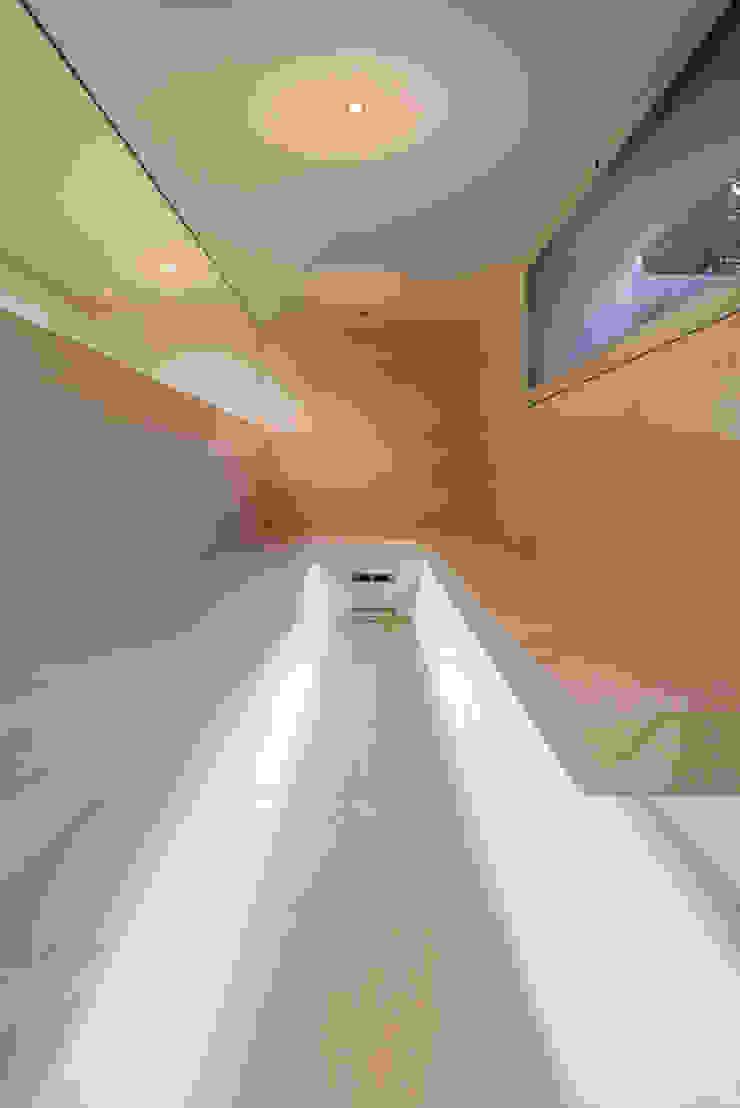 Blick ins Dampfbad Moderner Spa von peter glöckner architektur Modern