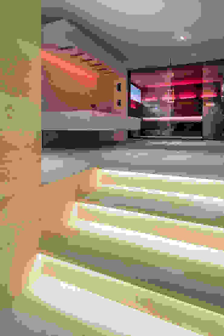 Blickrichtung Sauna Moderner Spa von peter glöckner architektur Modern
