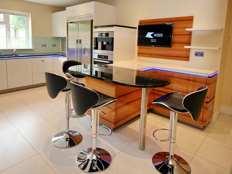Kitchen by Aura Designworks Ltd