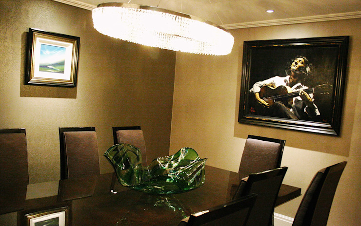 Dining room by Aura Designworks Ltd