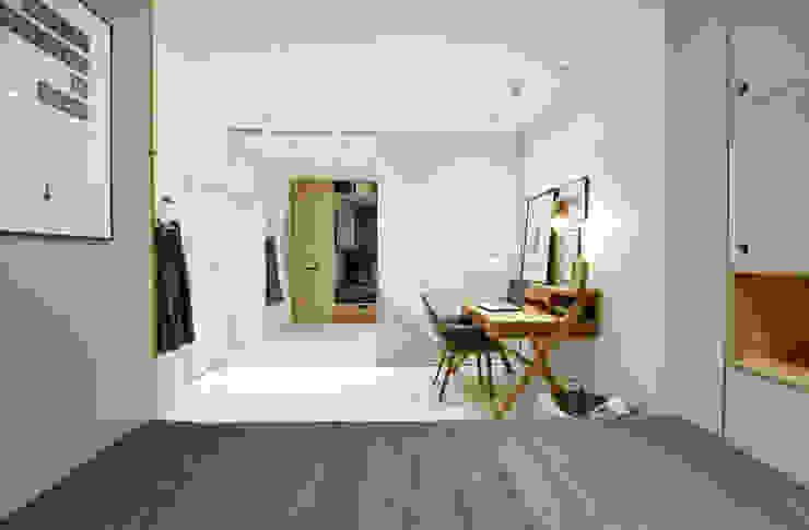 Habitaciones para niños de estilo escandinavo de INT2architecture Escandinavo