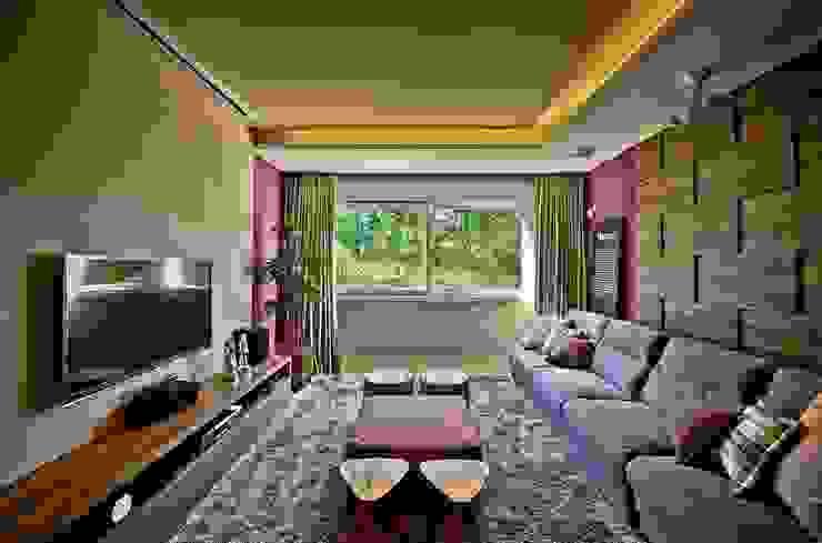 Home theater Salas multimídia modernas por Espaço do Traço arquitetura Moderno