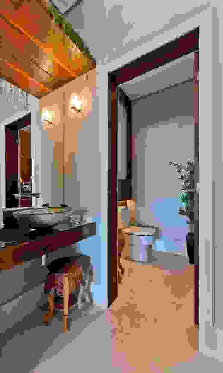 Lavabo Banheiros modernos por Espaço do Traço arquitetura Moderno