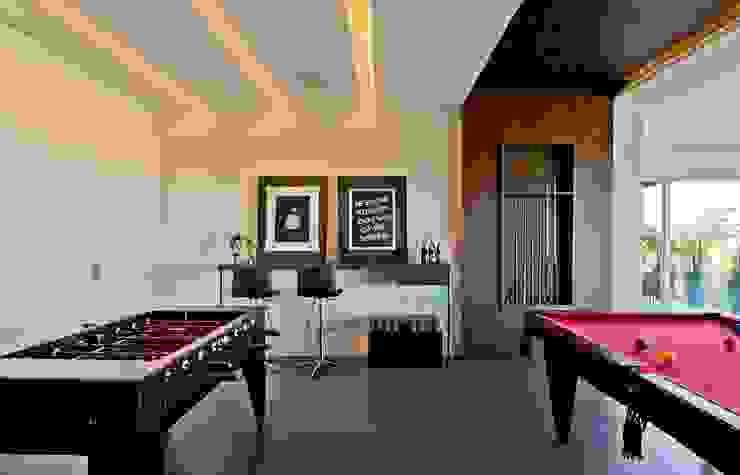 Sala de jogos Salas multimídia modernas por Espaço do Traço arquitetura Moderno