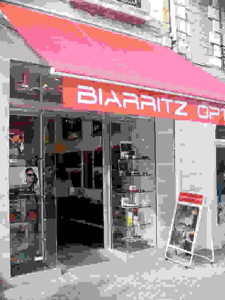 Biarritz Optique Espaces commerciaux modernes par Pogonos Moderne