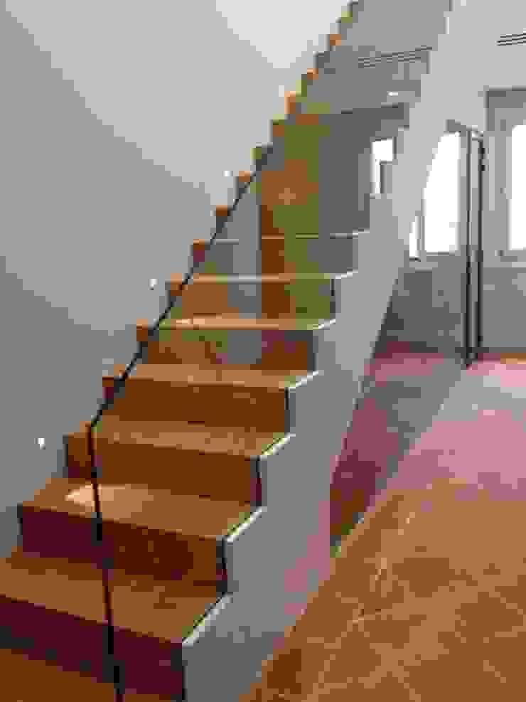 Tarima de gran formato de roble - Tarimas de Autor Ingresso, Corridoio & Scale in stile classico di Tarimas de Autor Classico