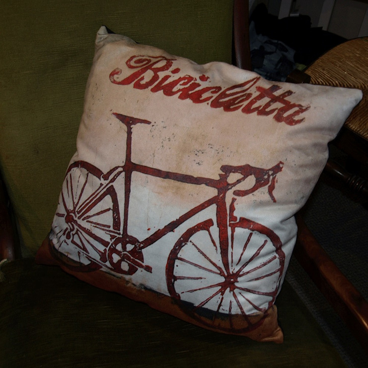 Bicicletta cushion: modern  by Thuline, Studio-Gallery, Modern