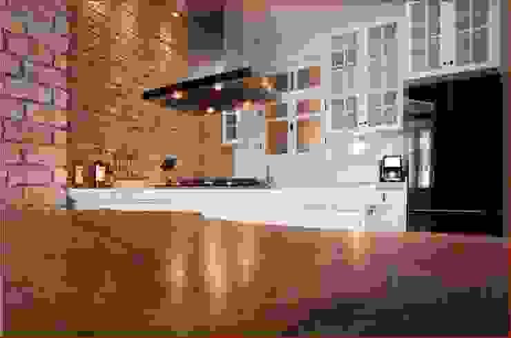 DICLE HOKENEK ARCHITECTURE Moderne Küchen