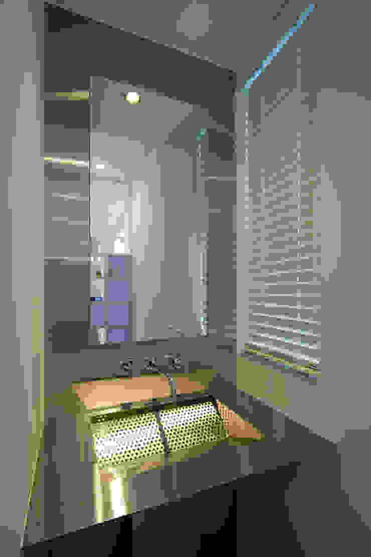 株式会社 入船設計 Eclectic style bathrooms