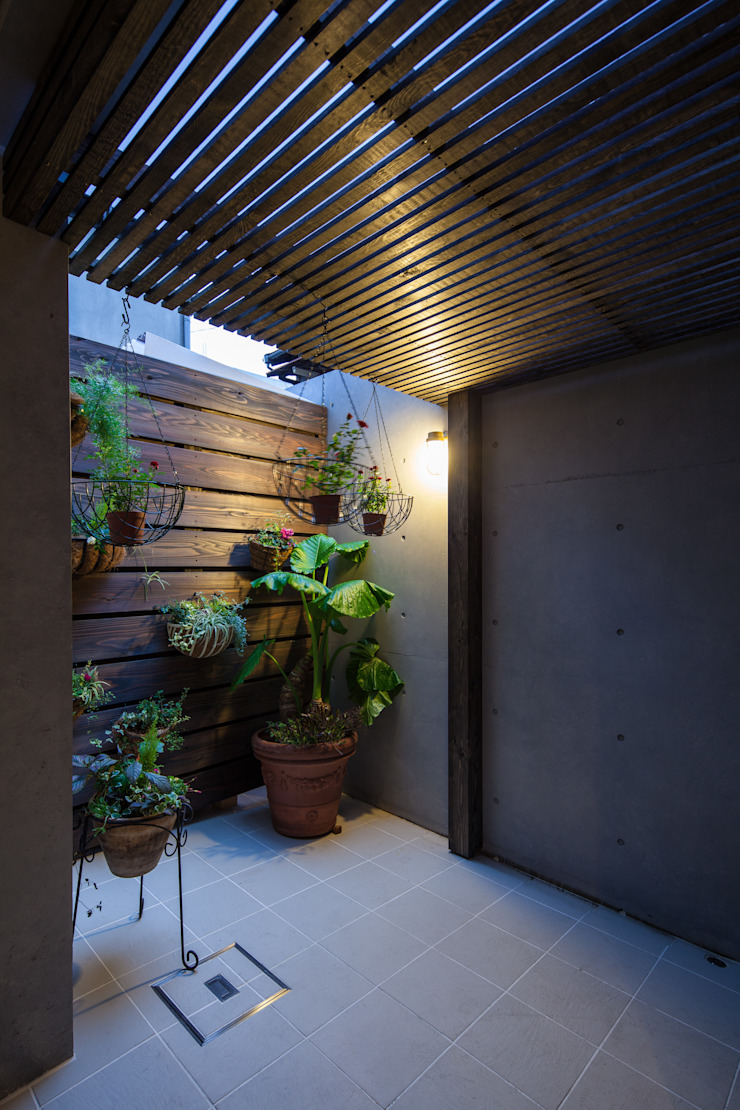 株式会社 入船設計 Eclectic style balcony, porch & terrace