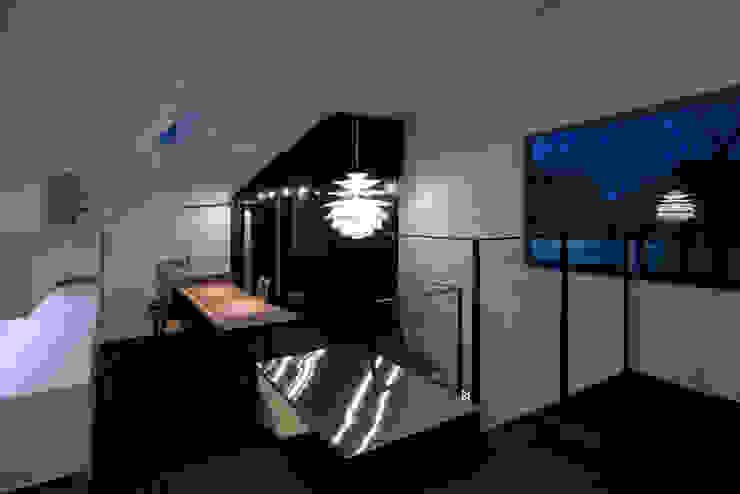 metis オリジナルデザインの リビング の 筒井紀博空間工房/KIHAKU tsutsui TOPOS studio オリジナル