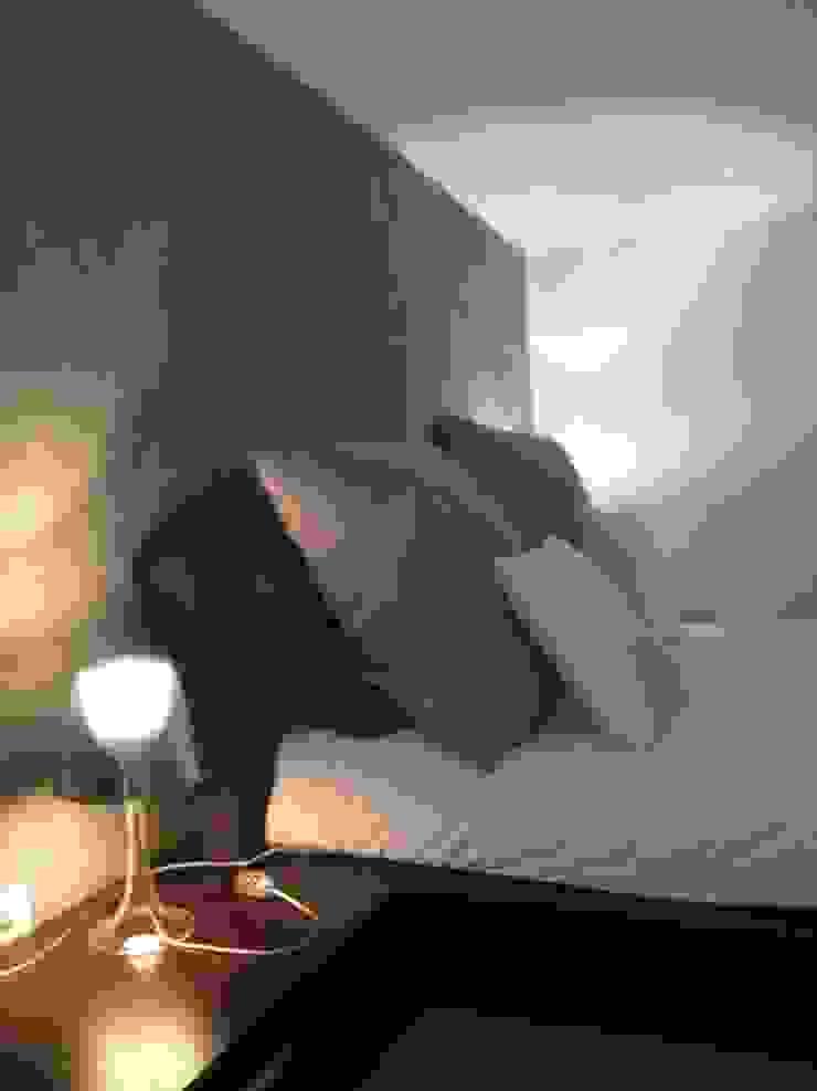 attico a Roma Camera da letto moderna di architetto Roberta Galantino Moderno
