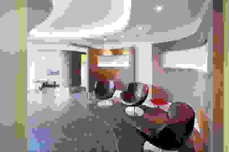 Wohnhaus mit Praxis Moderne Praxen von Claus + Pretzsch Architekten BDA Modern