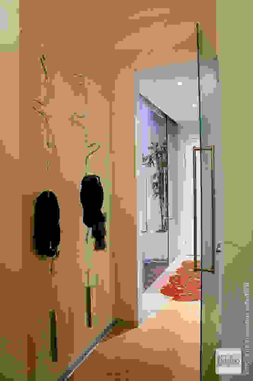Ristrutturazione abitazione AR a Pescara Ingresso, Corridoio & Scale in stile minimalista di Studio Sabatino Architetto Minimalista