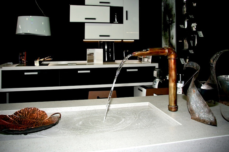 COCINA BLACK AND WHITE Espacios comerciales de estilo moderno de spazio kitchen Moderno