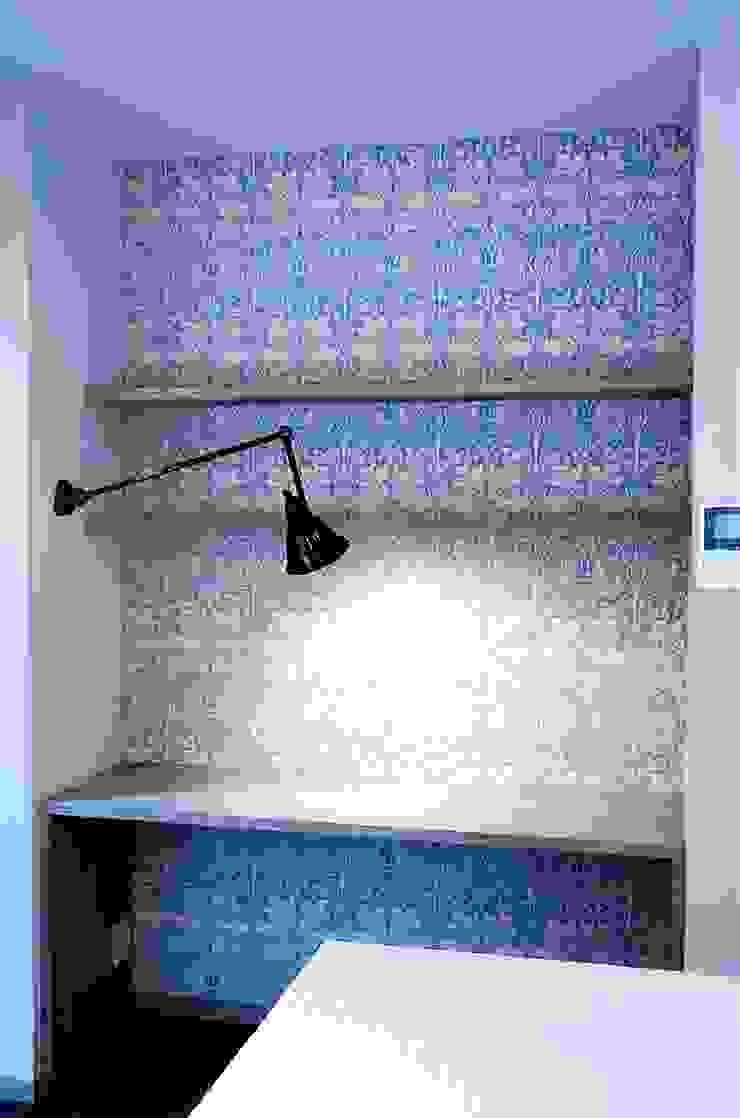 築30年のコテージをリノベーションした家 ラスティックデザインの 書斎 の HAPTIC HOUSE ラスティック