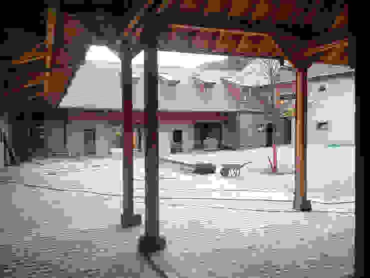 Rénovation d'une ferme en Alsace Maisons rurales par Atelier Laparra Rural