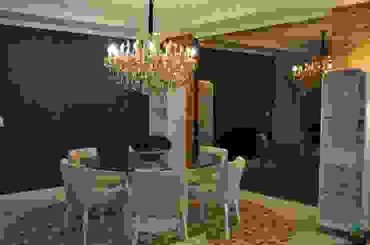 União do rustico e Contemporâneo Salas de jantar modernas por Actual Design Moderno