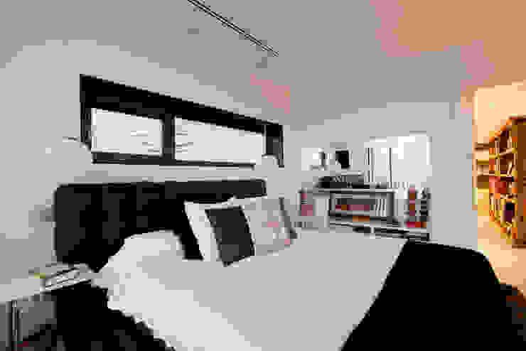 Habitación principal Dormitorios de estilo moderno de IPUNTO INTERIORISMO Moderno