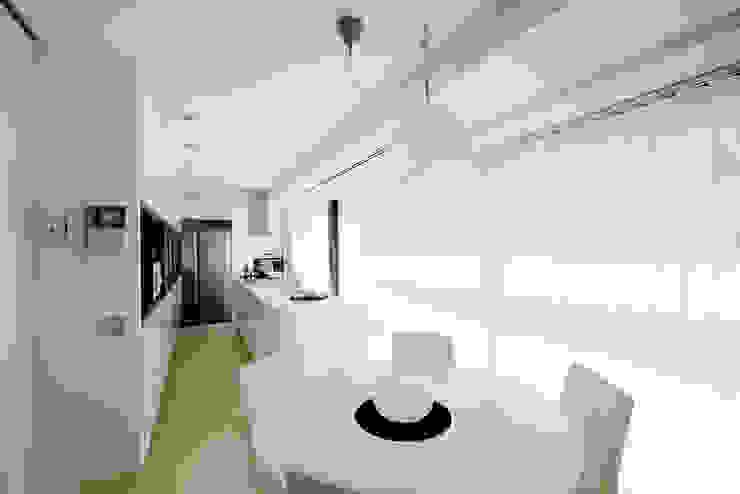 La cocina Cocinas de estilo moderno de IPUNTO INTERIORISMO Moderno
