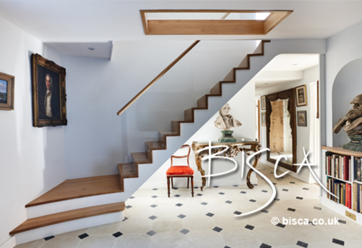 New zigzag staircase 3123 Modern corridor, hallway & stairs by Bisca Staircases Modern
