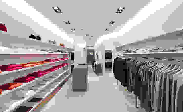 Modeladen in Frankfurt Moderne Ladenflächen von Anne.Mehring Innenarchitekturbüro Modern