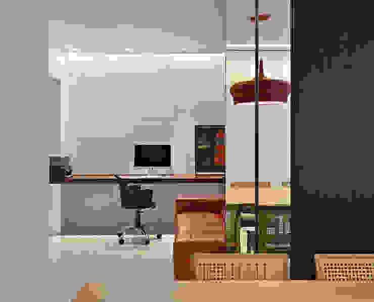 Apartamento jovem família Salas multimídia modernas por Jaqueline Frauches Arquitetura e Interiores Moderno