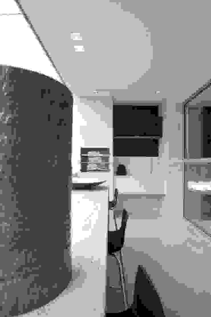 Decorado Varandas, alpendres e terraços modernos por Jaqueline Frauches Arquitetura e Interiores Moderno