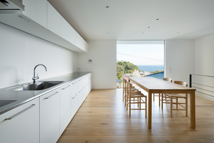 Modern dining room by 栗原隆建築設計事務所 Modern