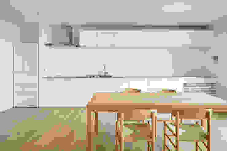 横須賀の家 モダンな キッチン の 栗原隆建築設計事務所 モダン