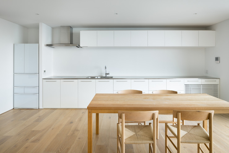 Modern kitchen by 栗原隆建築設計事務所 Modern