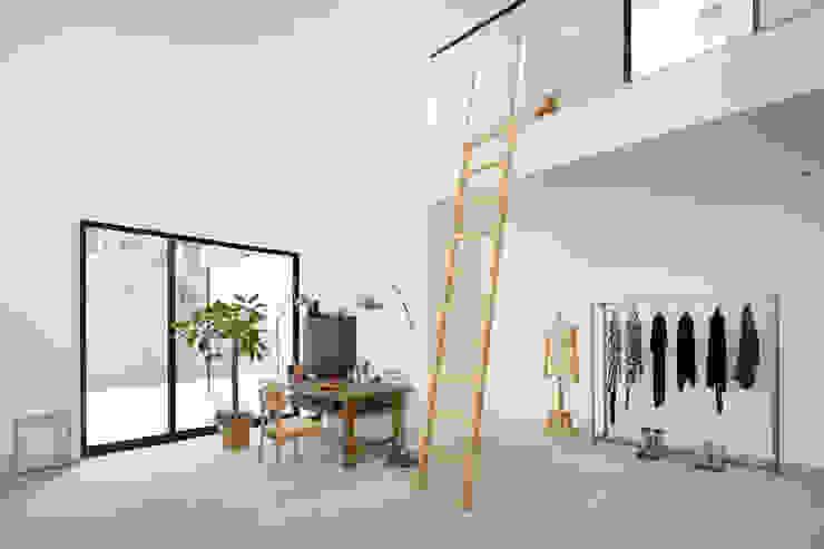 横須賀の家 モダンデザインの 多目的室 の 栗原隆建築設計事務所 モダン