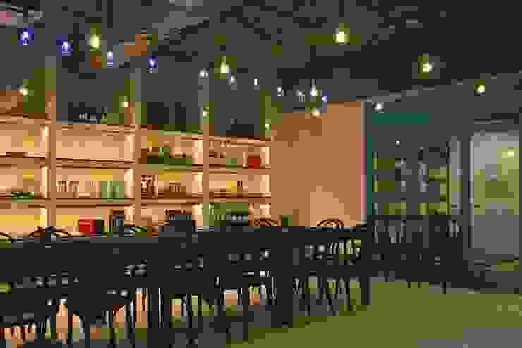 多目的ホール-1 Shigeo Nakamura Design Office オフィススペース&店