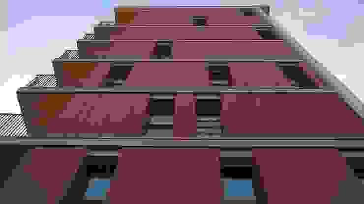 Edificio residenziale a Milano Lambrate Finestre & Porte in stile moderno di SBG architetti Moderno