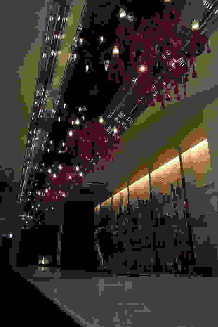 Bar counter-2 の Shigeo Nakamura Design Office クラシック