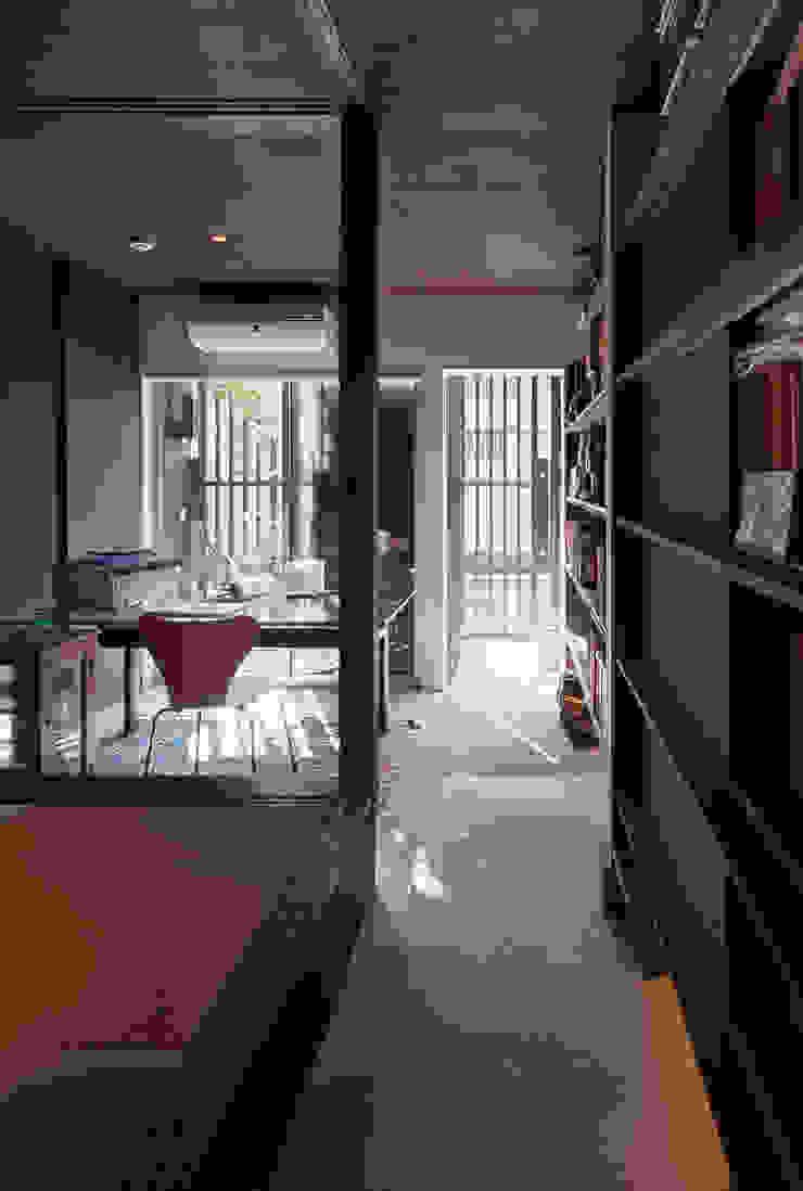 原型からの再生 日本家屋・アジアの家 の 向井一規建築設計工房 和風