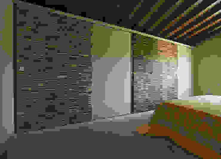 Camere da letto di Arredamenti Caneschi srl Eclettico
