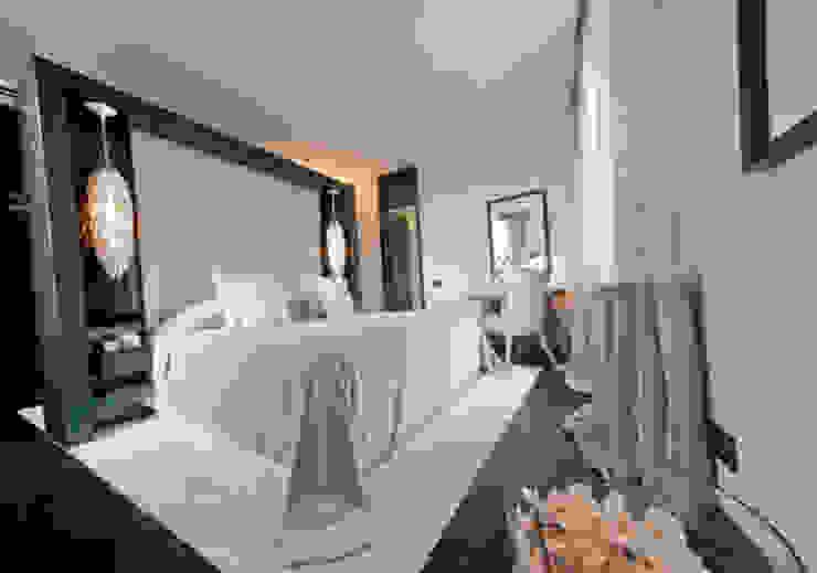 Camere da letto Camera da letto eclettica di Arredamenti Caneschi srl Eclettico