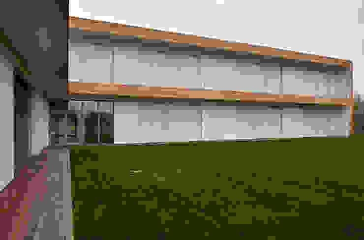 Prospetto Sud Scuole moderne di Studio FFwd-Architettura Moderno