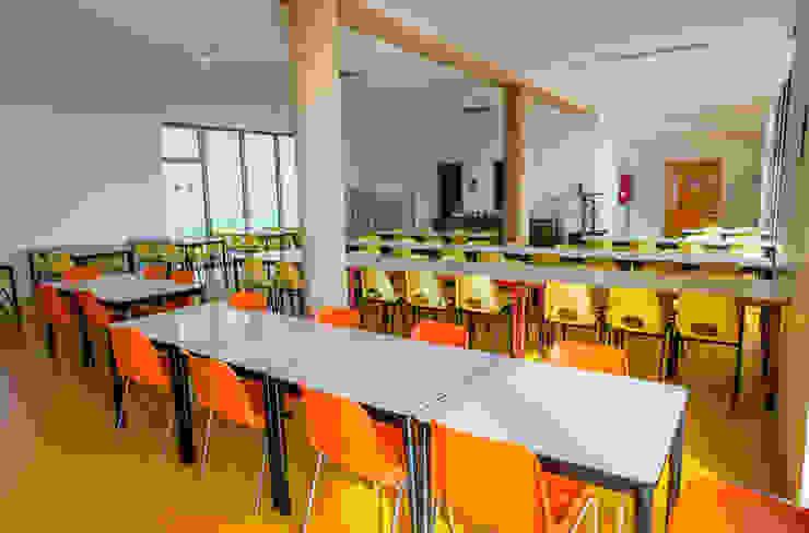 Sala mensa Scuole moderne di Studio FFwd-Architettura Moderno