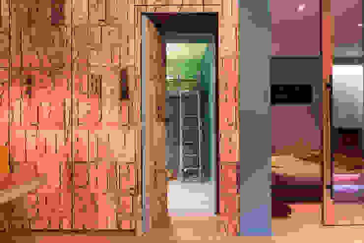 Un appartement très couture Maisons modernes par Agence d'architecture intérieure Laurence Faure Moderne