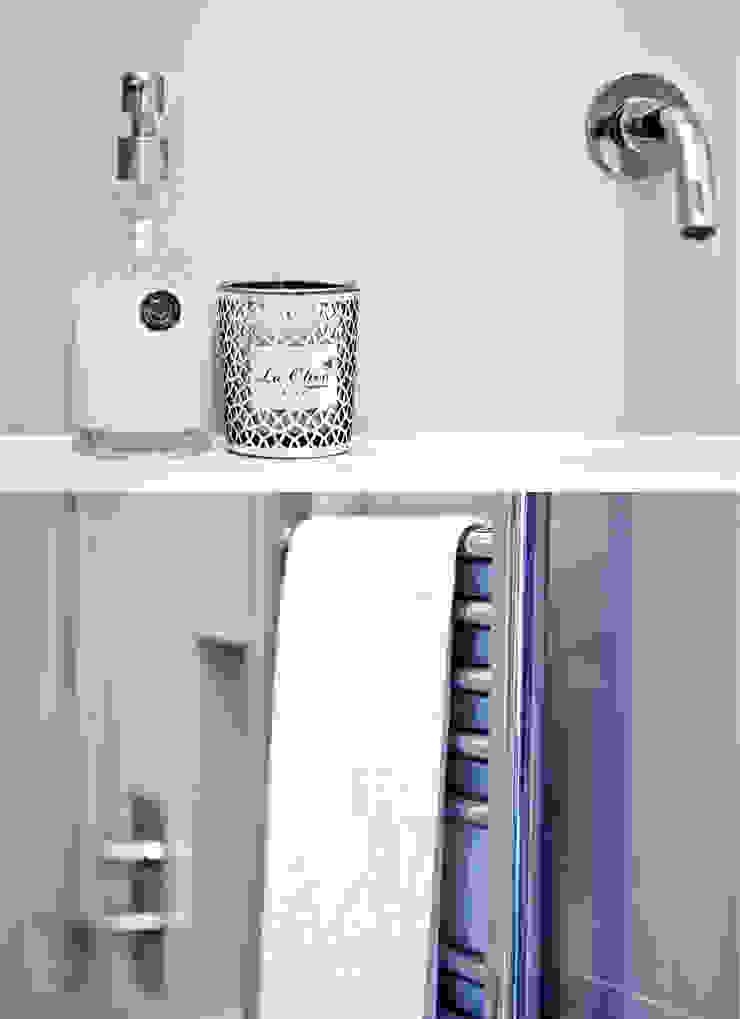 City Pied a Terre Minimalist bathroom by Black and Milk | Interior Design | London Minimalist